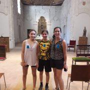 Robin y sus 2 hijas de 16 y 14 años